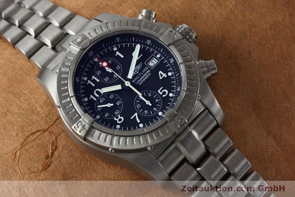 Used luxury watch Breitling Avenger chronograph titanium automatic Kal. B13 ETA 7750 Ref. E13360  | 152061 15