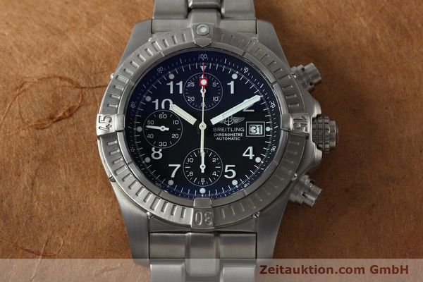 Used luxury watch Breitling Avenger chronograph titanium automatic Kal. B13 ETA 7750 Ref. E13360  | 152061 16