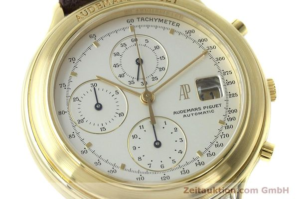 Used luxury watch Audemars Piguet * chronograph 18 ct gold automatic Kal. 2126  | 152487 02