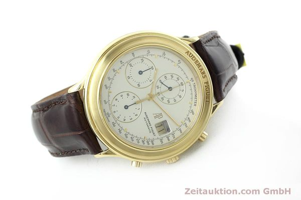 Used luxury watch Audemars Piguet * chronograph 18 ct gold automatic Kal. 2126  | 152487 03