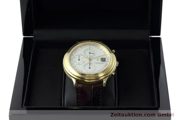 Used luxury watch Audemars Piguet * chronograph 18 ct gold automatic Kal. 2126  | 152487 07