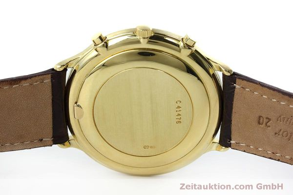 Used luxury watch Audemars Piguet * chronograph 18 ct gold automatic Kal. 2126  | 152487 08