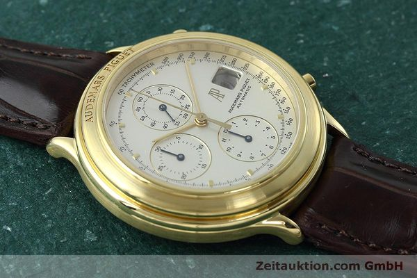 Used luxury watch Audemars Piguet * chronograph 18 ct gold automatic Kal. 2126  | 152487 15