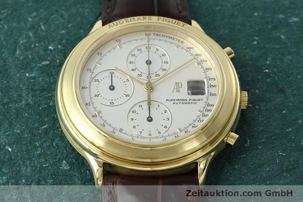 Used luxury watch Audemars Piguet * chronograph 18 ct gold automatic Kal. 2126  | 152487 16