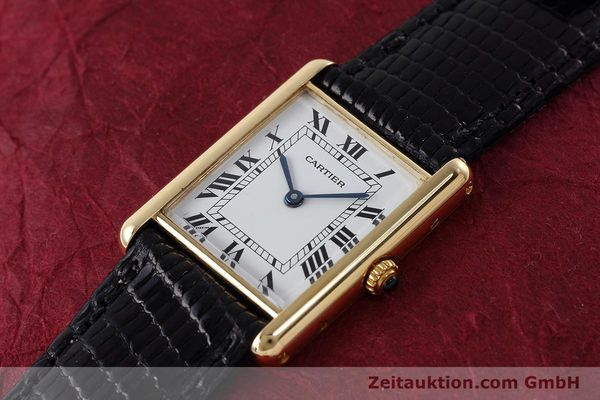 montre de luxe d occasion Cartier Tank or 18 ct quartz Kal. 90.09 Ref. 2426  | 152611 01