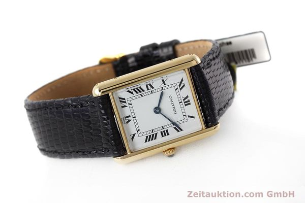 montre de luxe d occasion Cartier Tank or 18 ct quartz Kal. 90.09 Ref. 2426  | 152611 03