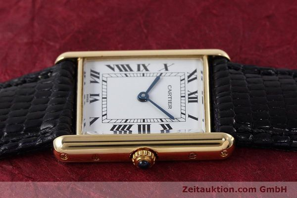 montre de luxe d occasion Cartier Tank or 18 ct quartz Kal. 90.09 Ref. 2426  | 152611 05