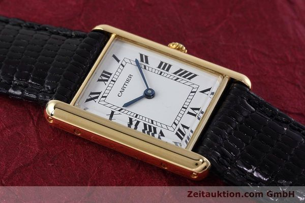 Used luxury watch Cartier Tank 18 ct gold quartz Kal. 90.09 Ref. 2426  | 152611 13