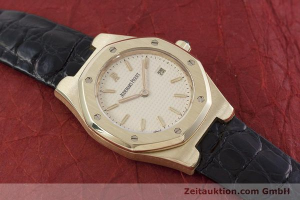 gebrauchte Luxusuhr Audemars Piguet Royal Oak 18k Gold Quarz Kal. 2610 Ref. D66579  | 152828 16