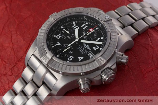 Used luxury watch Breitling Avenger chronograph titanium automatic Kal. B13 ETA 7750 Ref. E13360  | 152983 01