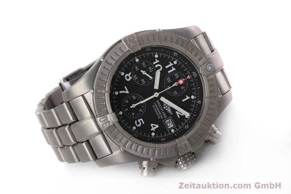 Used luxury watch Breitling Avenger chronograph titanium automatic Kal. B13 ETA 7750 Ref. E13360  | 152983 03