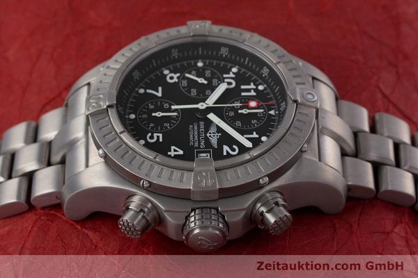 Used luxury watch Breitling Avenger chronograph titanium automatic Kal. B13 ETA 7750 Ref. E13360  | 152983 05