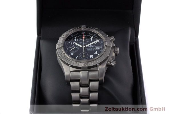 Used luxury watch Breitling Avenger chronograph titanium automatic Kal. B13 ETA 7750 Ref. E13360  | 152983 07