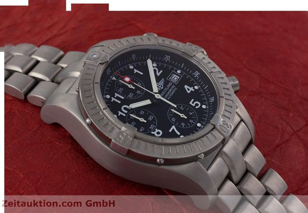 Used luxury watch Breitling Avenger chronograph titanium automatic Kal. B13 ETA 7750 Ref. E13360  | 152983 15