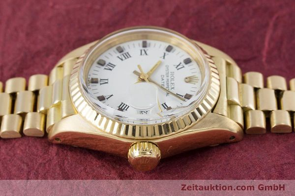 Used luxury watch Rolex Lady Date 18 ct gold automatic Kal. 2030 Ref. 6917  | 153244 05