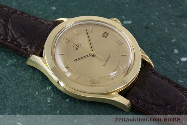 Used luxury watch Omega Speedmaster 18 ct gold automatic Kal. 1110  | 153257 13