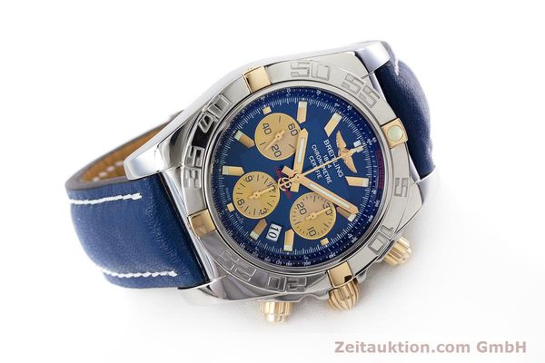 Used luxury watch Breitling Chronomat 44 chronograph steel / gold automatic Kal. B01 Ref. IB0110  | 160226 03